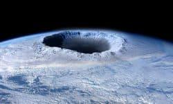"""Реферат на тему: """"Озоновые дыры"""" - причины возникновения, последствия и пути решения"""