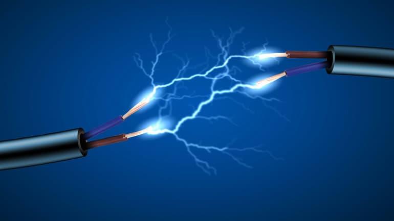 Электрический ток в электролитах - механизм возникновения, законы и применение