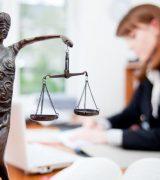 Профессия юрист - описание, плюсы и минусы, зарплата