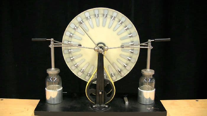 Электрический ток и его источники – таблица, роль и определение