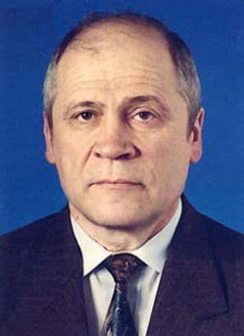 Краткая биография Лазарев Игорь Николаевич